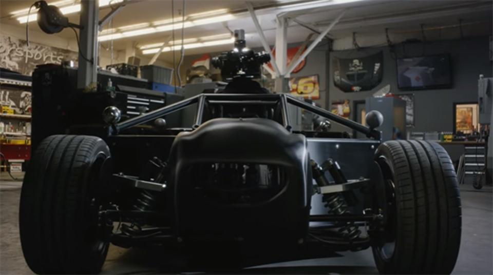 CG車の合成に救世主! あらゆる車を再現できる撮影用車「Blackbird」