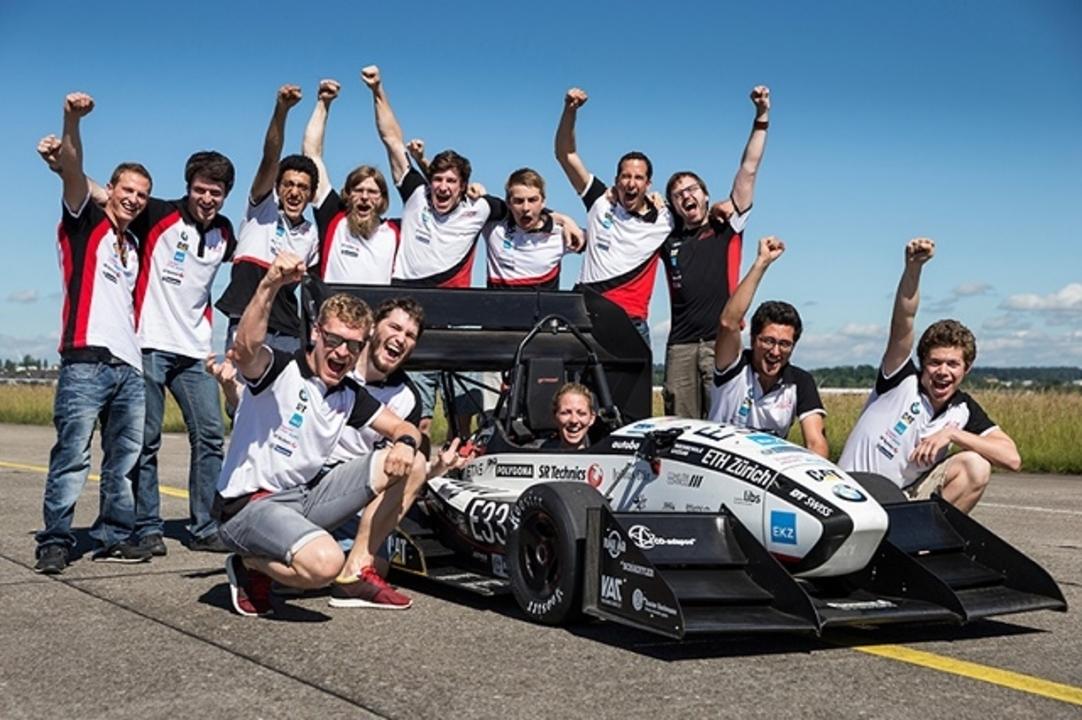 時速100km到達まで1.5秒! 電気自動車で衝撃の世界記録を樹立