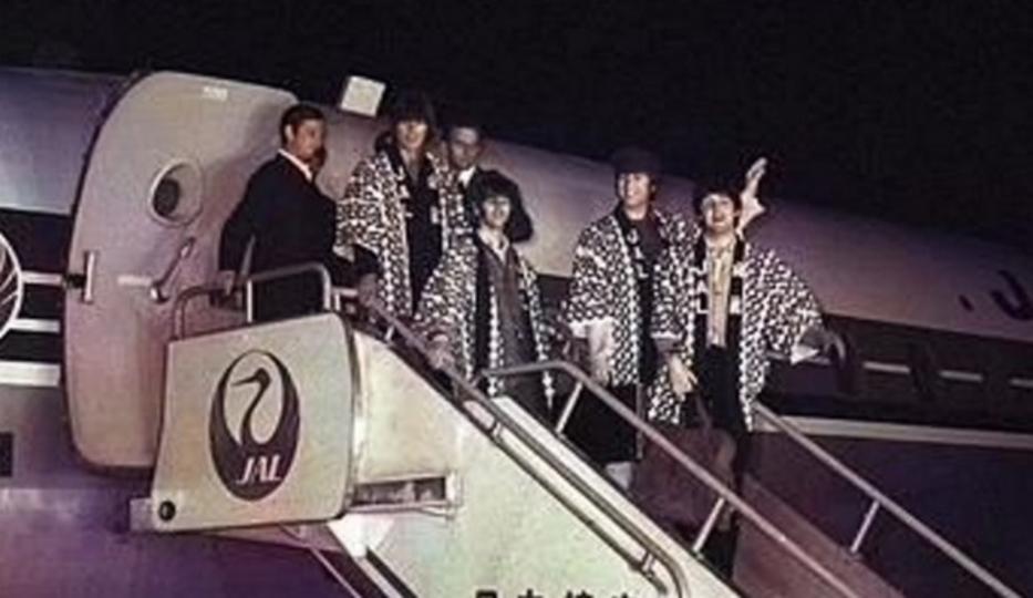 来日50年記念、ビートルズが(白黒ネガからカラーになって)やってきた!…のは早稲田大学の技術だった