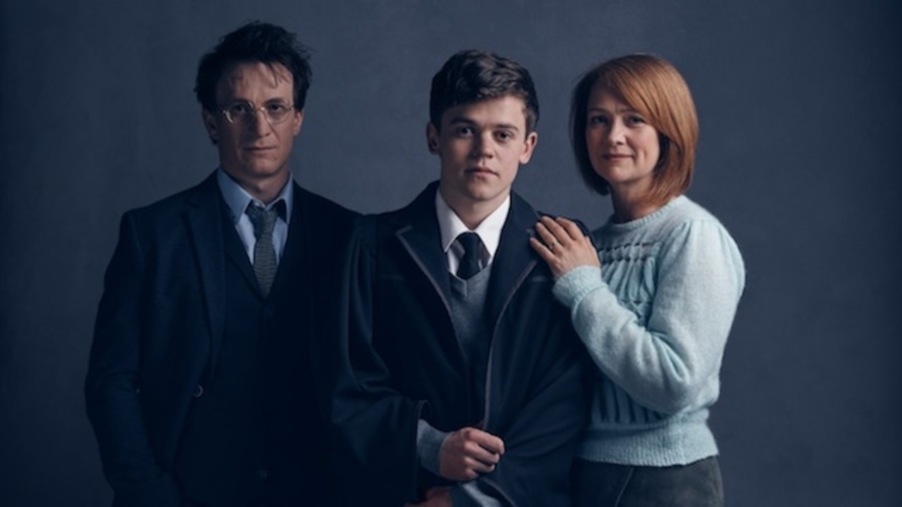 「ハリー・ポッター」のハリー、ロン、ハーマイオニーの19年後の家族写真が公開
