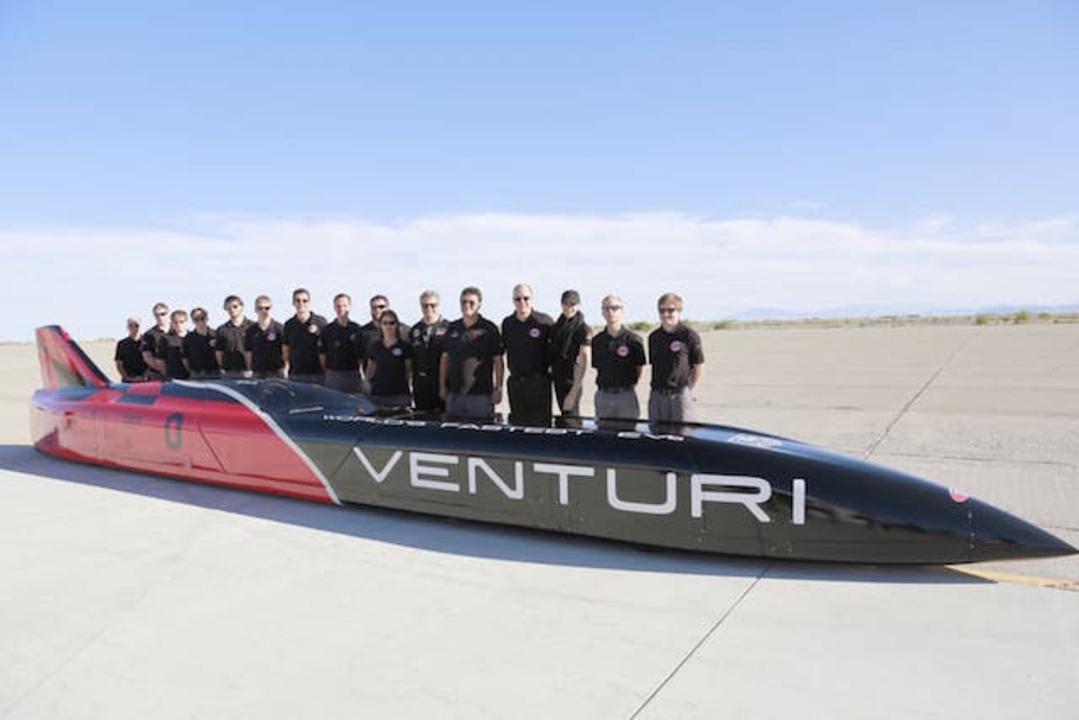 3,000馬力の電気自動車、塩湖でのスピードレースに向けて資金募集