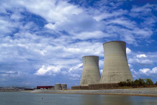 カリフォルニア州最後の原発、2025年に廃炉。クリーンエネルギーを推進へ