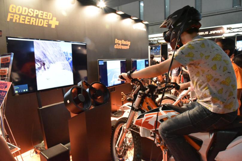 先端コンテンツ技術展で乗ったVRバイクがリアル度高くて心拍数あがった