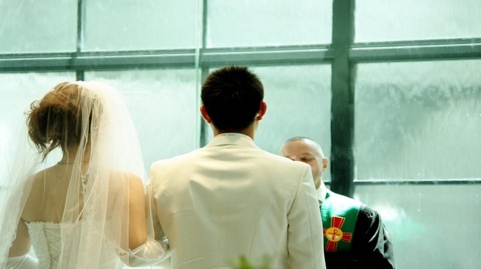 統計だと、離婚率の低い結婚適齢期は「28~32歳」らしい