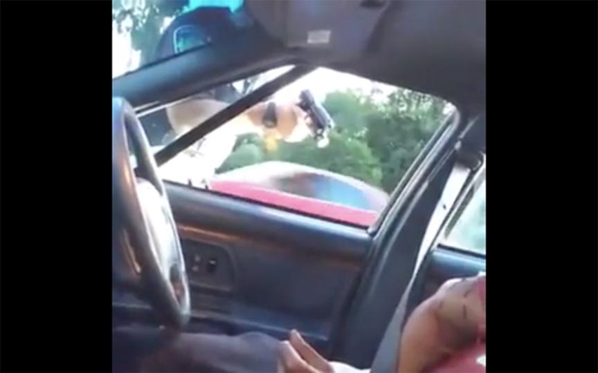 エラーか? 意図的か? 警官による黒人男性射殺の映像がFBから消えた理由