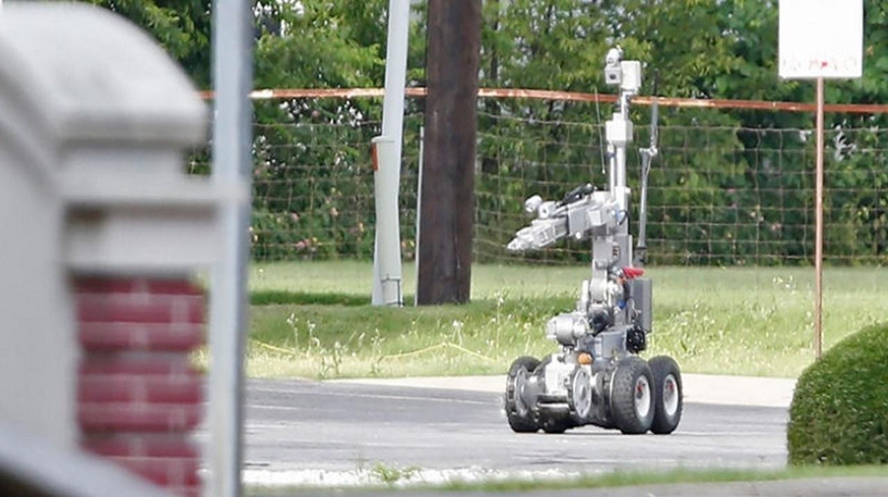 ダラス銃撃事件の犯人を爆殺したロボット
