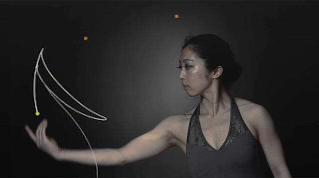 ダンスが空間を作る、その空間でさらにダンスを踊る。人と空間の新たなインタラクティブアート
