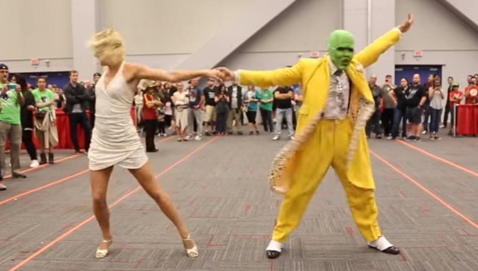 映画「マスク」のダンスシーンを完全に再現。ここまできたら本物です