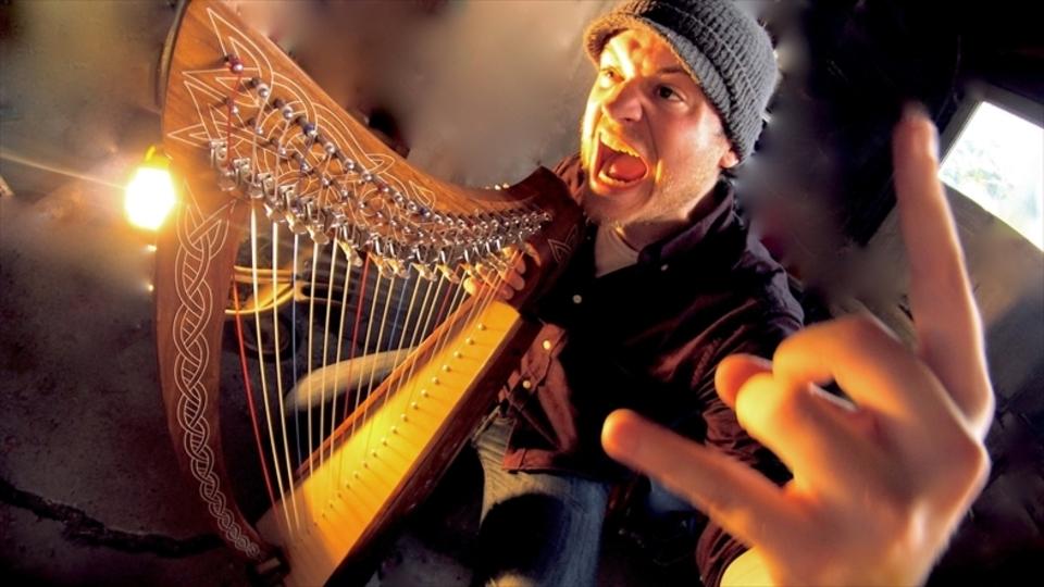 もっと弦を求めて。ハープでヘヴィ・メタルを演奏