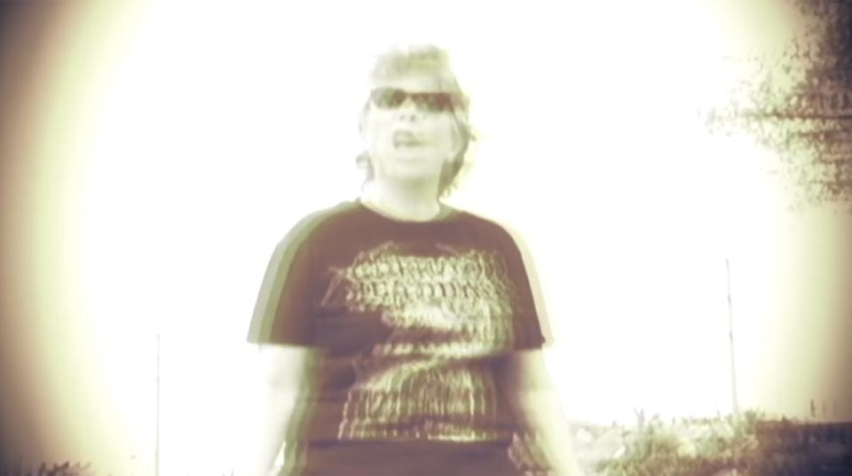 67歳のご婦人がシャウトするバンド、セパルトゥラのカバーMVを公開