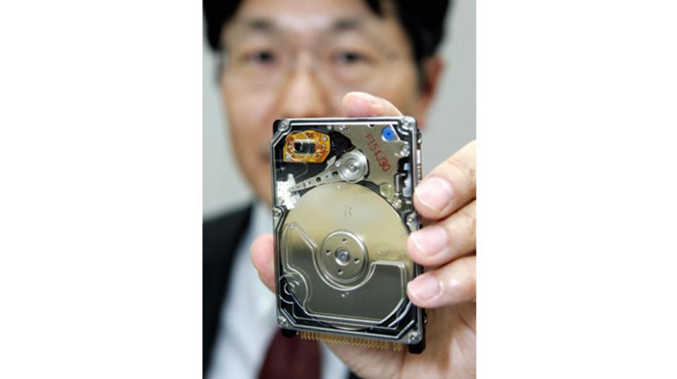 【10周年プレイバック】日立、年内に1テラハードディスクを発売