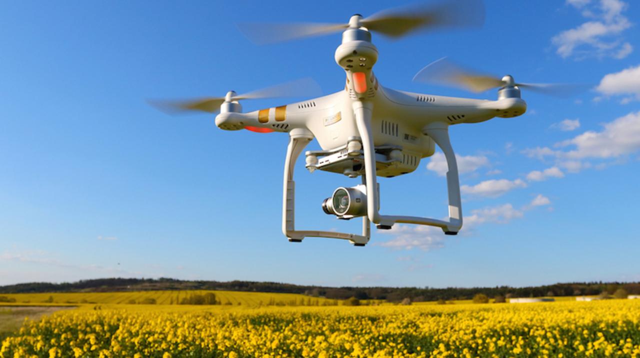 ハウステンボスがドローン・テーマパーク開園。航空法から操縦まで手取り足取り教えます
