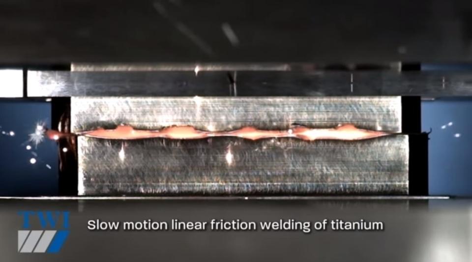 星々の誕生を映しているかのような摩擦溶接のスローモーション動画