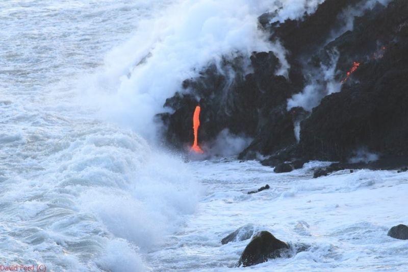 崖から海に流れ落ちるハワイの溶岩がファンタジーなことよ8