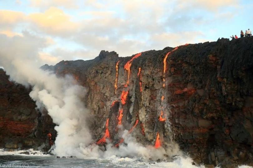 溶岩が海に流れ出たら…ファンタジーなことよ