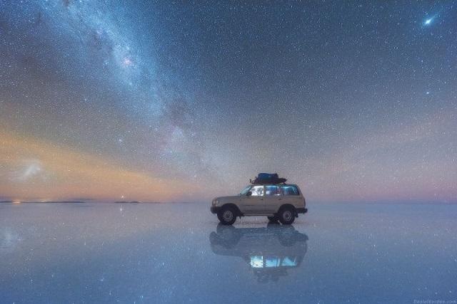 ウユニ塩湖 星空 車