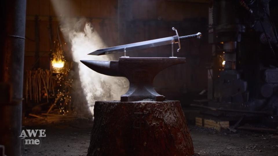 鍛冶屋チームが「ドラゴンボールZ」トランクスの剣を制作