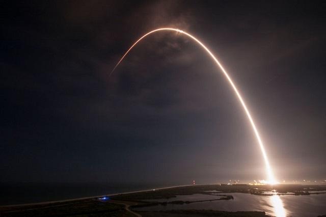 ロケットの打ち上げ軌道