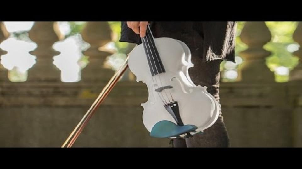3Dプリンター製のアコースティックバイオリンが奏でる本物の音色