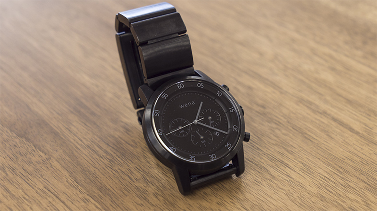 最も腕時計に近いスマートウォッチ。ソニーの「wena wrist」をスマートウォッチ初心者が使ってみたら...