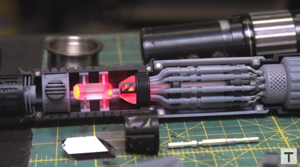ライトセーバーの制作過程を見てたら今すぐ3Dプリンターがほしくなる