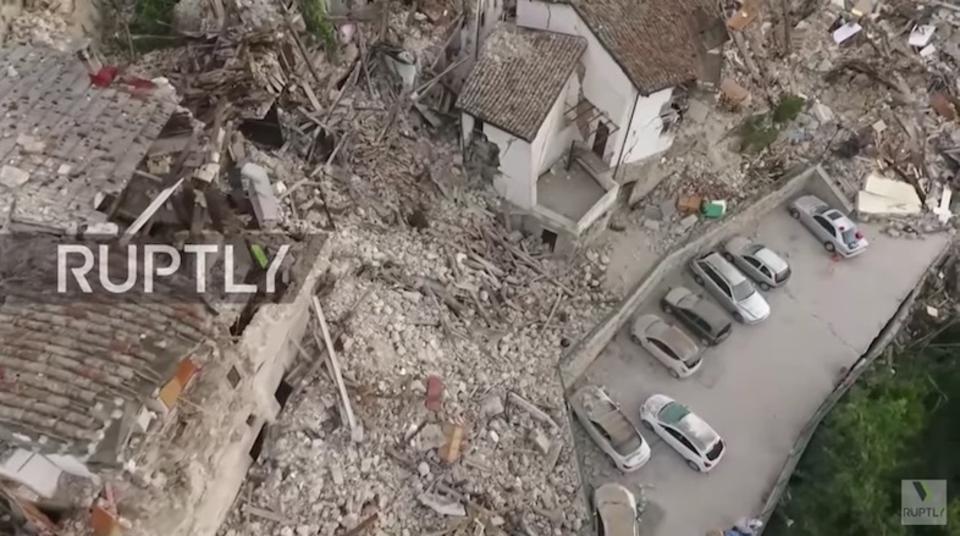 ドローンが映したイタリアの地震被害、言葉になりません