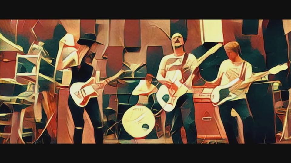 世界初? 写真アプリPrismaを駆使したミュージックビデオ