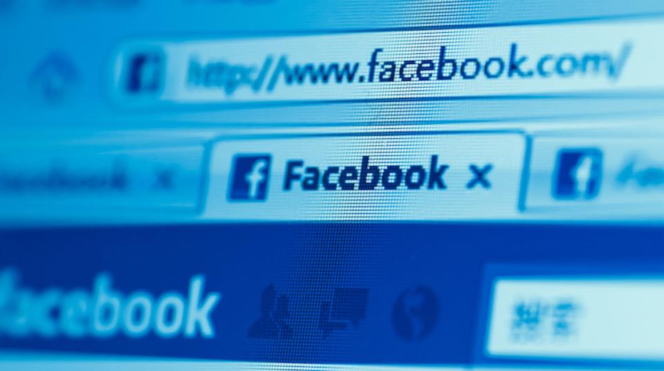 Facebook、人力でニュースをキュレーションするのを止めることに
