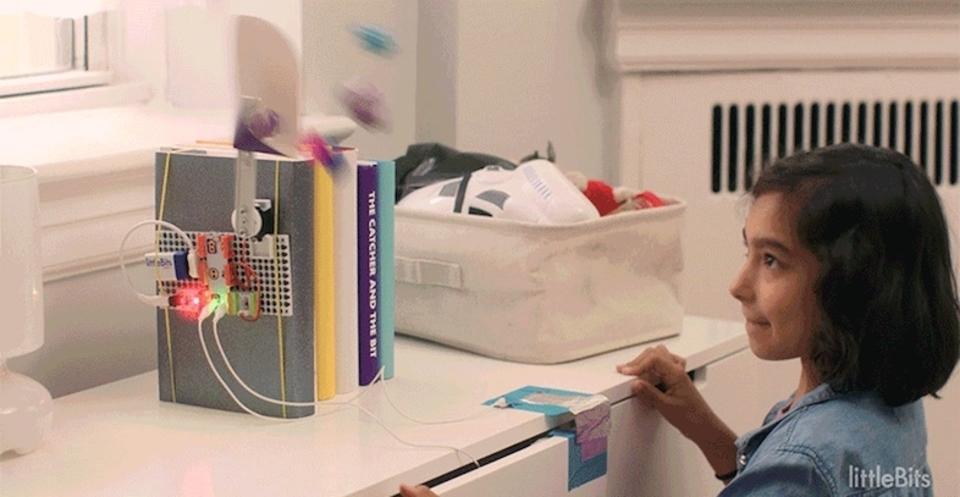 電子工作おもちゃ「littleBits」お部屋にポップな罠を仕掛けるキットを発売