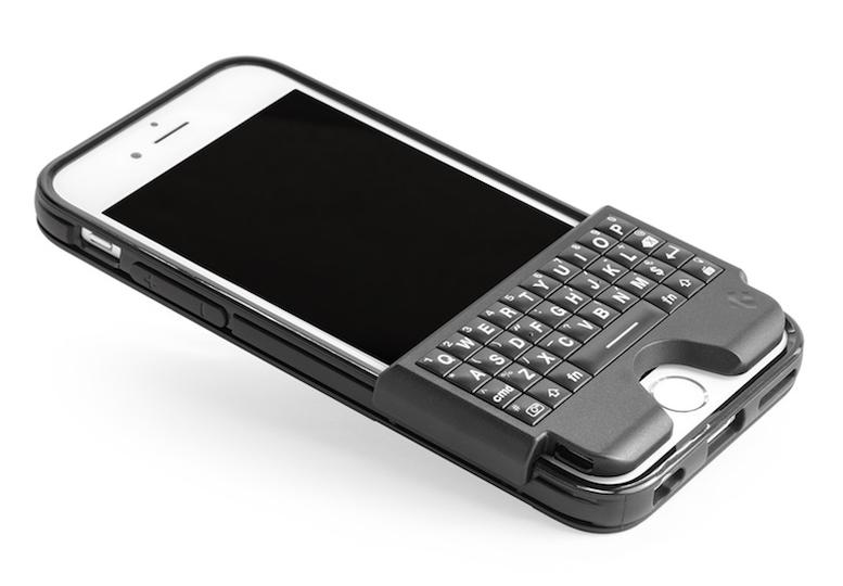 iPhoneユーザーの夢? 本体合体型のハードキーボードが登場
