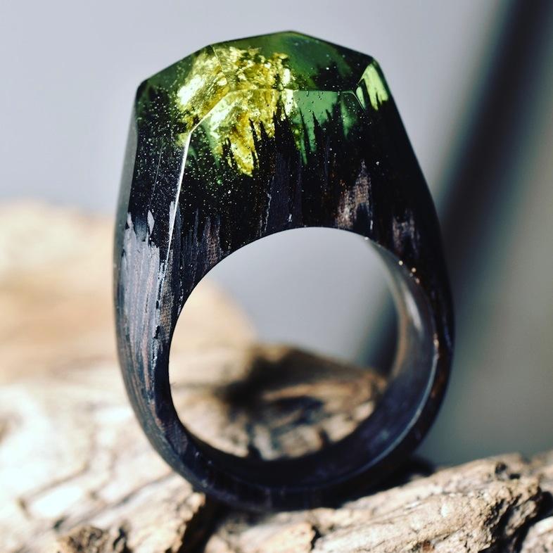 「Secret Wood」のGREEN MILLETTIA LAURENTII FOREST