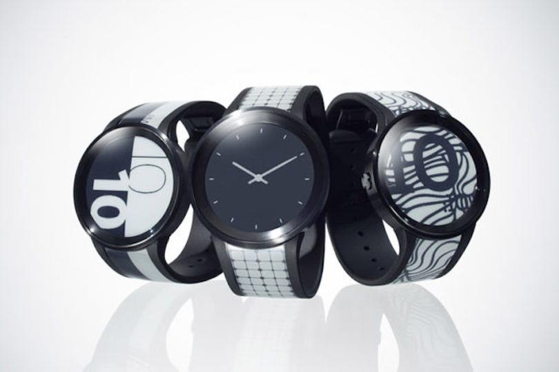 服に合わせて時計のバンドも着替えよう。ソニーのスマートウォッチ「FES Watch U」