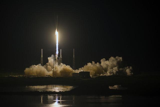 打ち上げられたロケット