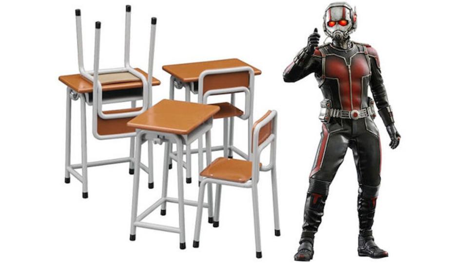 「机と椅子が1000円!」→ミニチュアでした、で米Amazonのレビューが燃え続ける