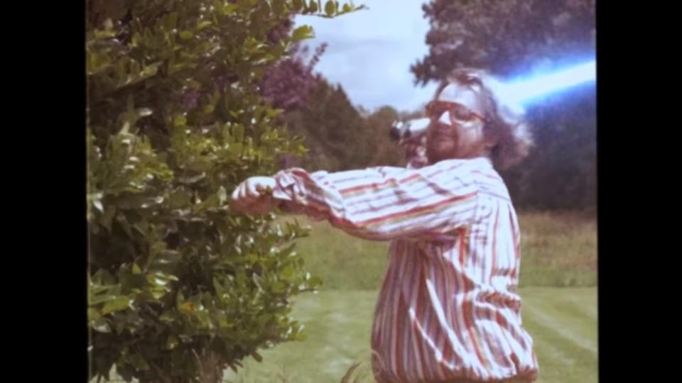 ライトセーバーが危険な武器だとあらためて実感する注意喚起ビデオ