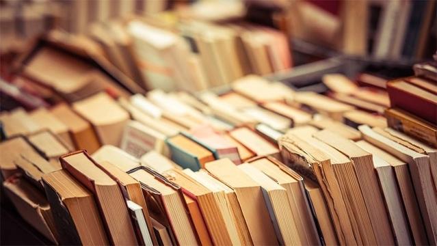 テクノロジーは大きく発展した。でも紙の本はまだ死なない