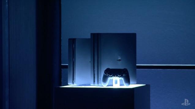 薄くなった新型「PS4」、パワフルな上位版「PS4 Pro」 1