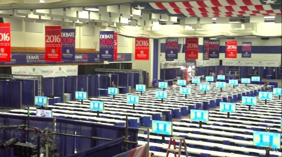 米大統領選テレビ討論会会場、メディア用WiFiが2万円