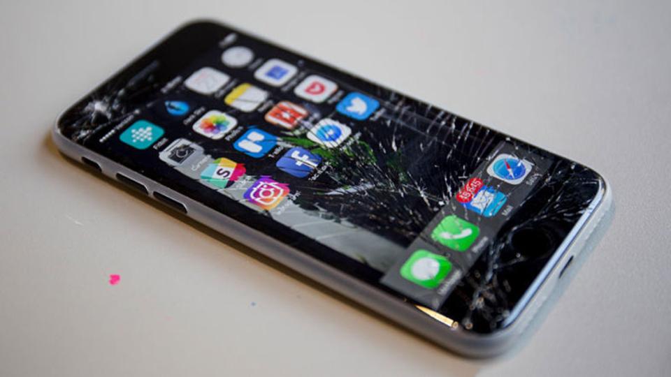 iPhone 7を早くも割ってしまった…怒りをどこにぶつけてやろうか!