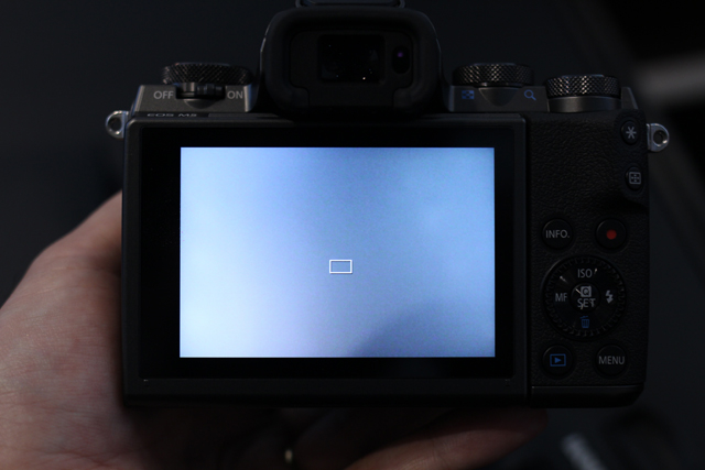 キヤノン「EOS M5」ハンズオン! タッチ&ドラッグAFの衝撃。デジタル一眼レフとの距離を大幅に縮めた4