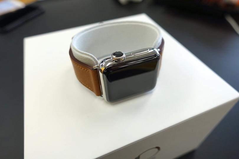 Apple Watch Series 2をアンボックス。中身、全部見せちゃいます