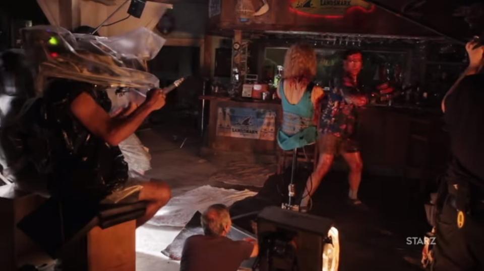 血みどろのSFX満載な「死霊のはらわた リターンズ」シーズン2の舞台裏