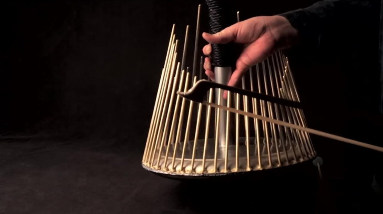 ホラー映画の効果音を奏でる楽器「ウォーターフォーン」の音