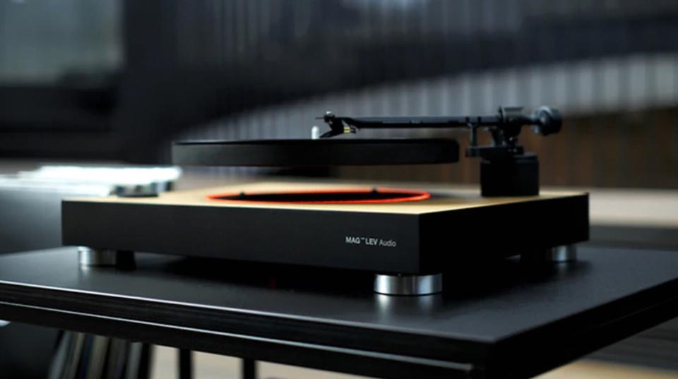 魔法のような安定を。世界初の空中浮遊型レコードプレーヤー「MAG-LEV Audio」
