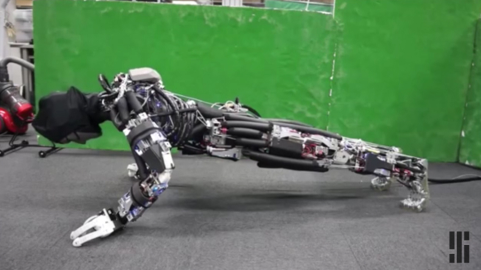 東大が開発した「汗をかくロボット」。人間らしいだけじゃなく、効率化された驚きの仕組み