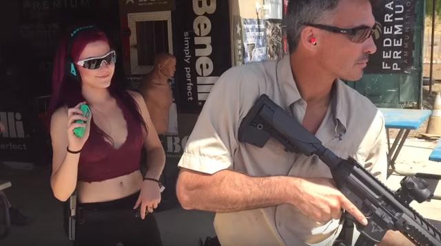 映画「ジョン・ウィック」の監督はキアヌと同じくらい凄腕の銃の使い手