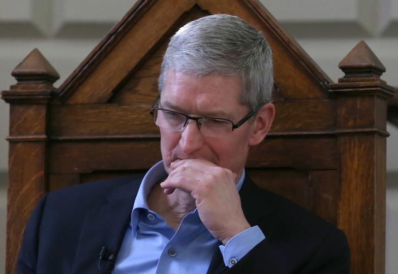 Apple、15年ぶりに減収減益。iPhone売り上げ減響く