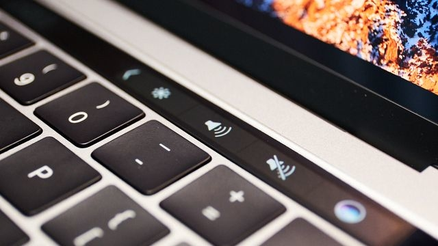 Touch Barにタッチ。新MacBook Proハンズオン2