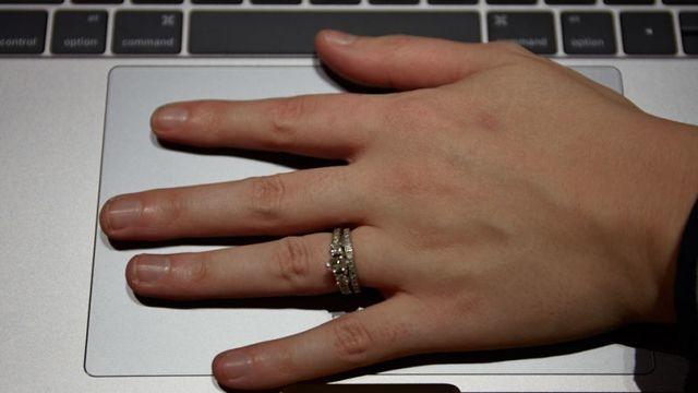 Touch Barにタッチ。新MacBook Proハンズオン5