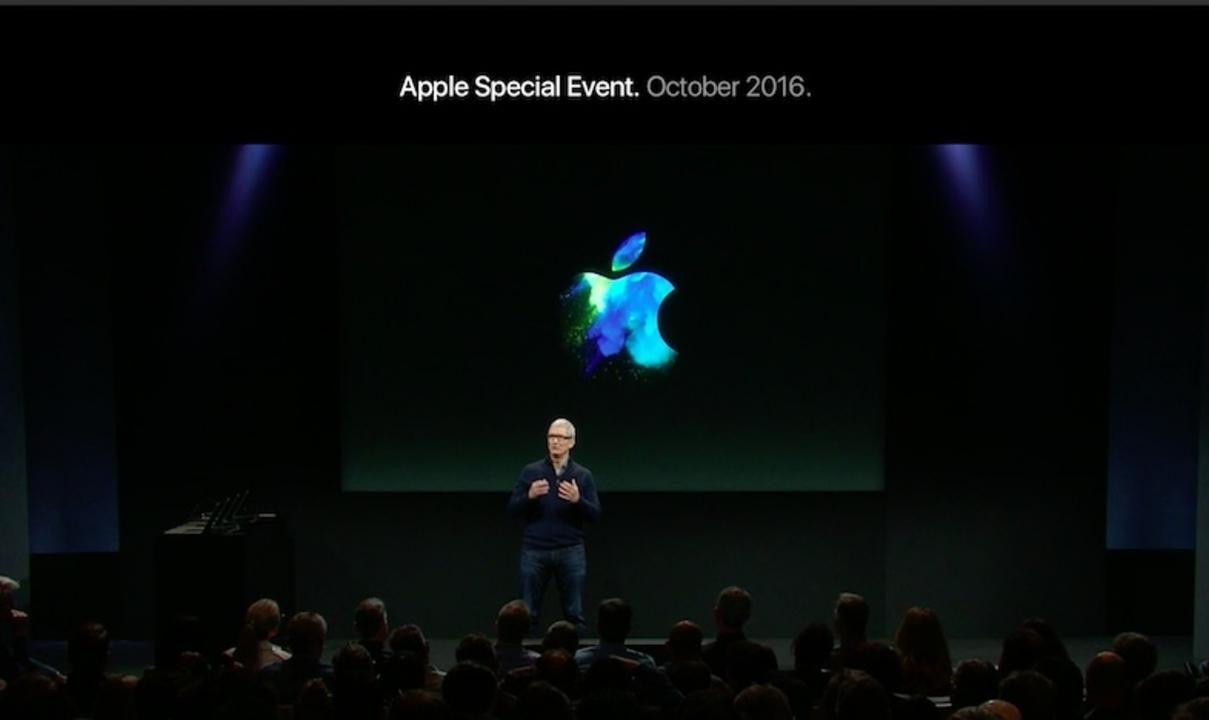 【更新終了】なんでもできる!万能「Touch Bar」搭載の新MacBook Pro 13&15インチ発表。MacBook Airは消え、Touch BarなしのMacBook Proに。3モデル本日から予約開始 #ギズlive #apple